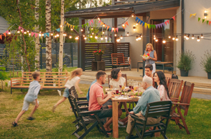 Hosting a Summer Party? Remember These Tips.