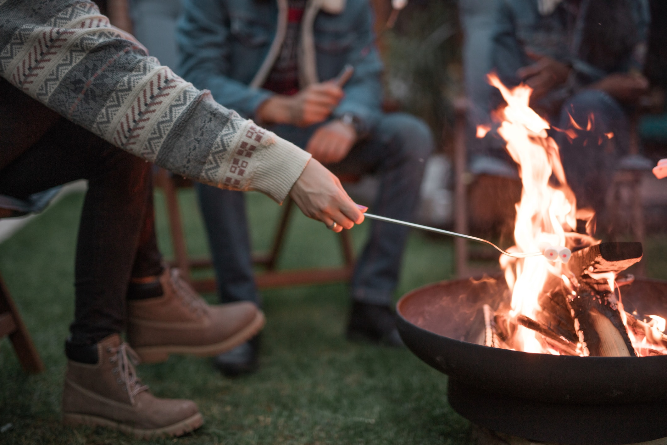 10 Tips to Enjoy Your Fire Pit Safely